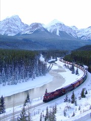 9548 EB at Morant's Curve (Matthew Hicks Railway Photography) Tags: railroad lake train pacific railway canadian banff cp lousie morants