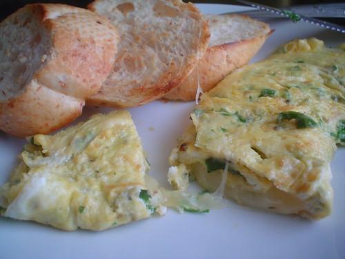 Omelette a las finas hierbas y queso