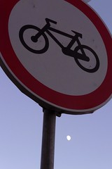 The Cycle of the Moon (Gilderic Photography) Tags: sunset red sky moon color portugal bicycle sign circle lumix europe purple violet humour panasonic cycle et signal velo couleur signe estoril blueribbonwinner pansonic gilderic ilustrarportugal dmctz4