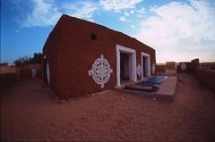 Oualata 2004ISIUBMA00019 (Isidor Fernandez) Tags: house sahara mauritania sgraffito oualata walata