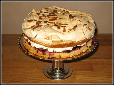 BlackberryAlmond&MeringueCake copy