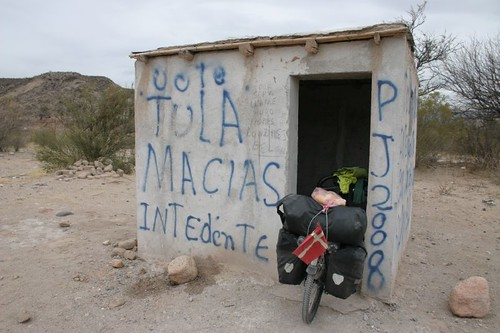 Lunch break in a bus stop shelter...South of Santa Maria - NW Argentina.