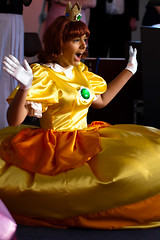 Princess Daisy (yeshayden) Tags: cosplay princessdaisy manifest2008