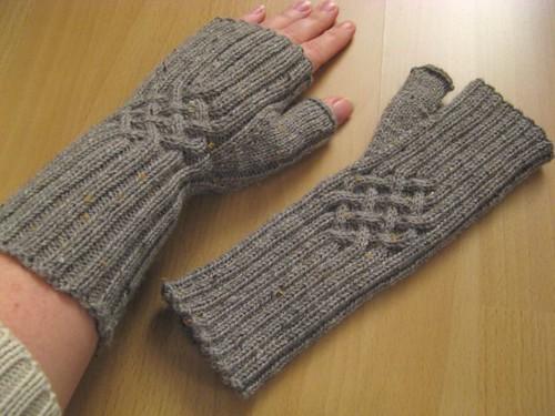 2x Handstulpen fertig - Junghans-Wolle Handarbeitsforum