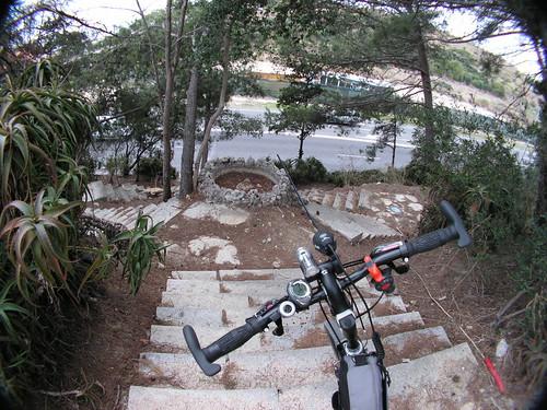 A minha bicicleta a preparar-se para subir para as minhas cavalitas