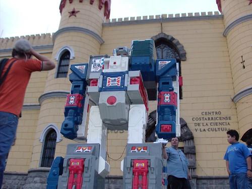 Fortress Maximus llega al Museo de los Niños para la Ticobot