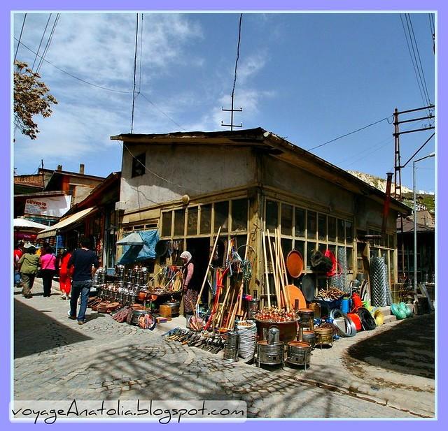 Beypazarı'nda hırdavat dükkanı