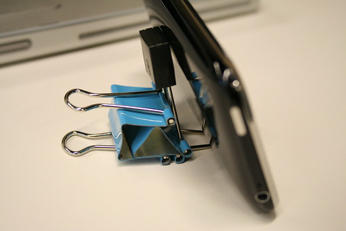 28 Innovative Uses For Binder Clips