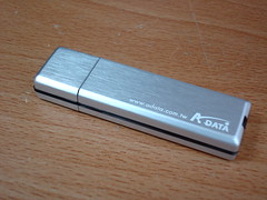 ADATA PD7 隨身碟背面
