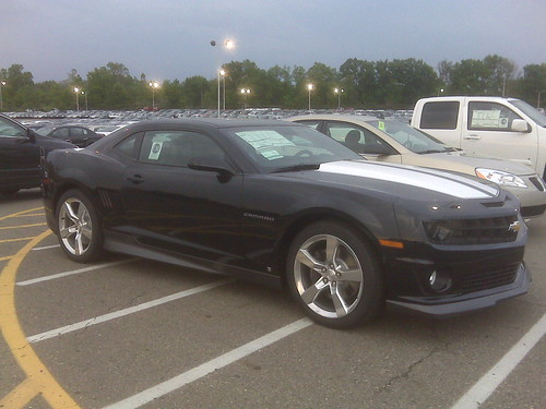 New Dark Blue Camaro Rs In My Building Parking Lot Page 3