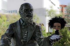 La peque conoce a Darwin