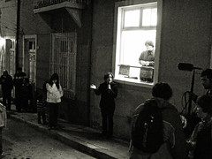 Quema de Judas en Prefecto Lazo (ORANGUTANO / Aldo Fontana) Tags: chile city people blackandwhite heritage blancoynegro water canon children fire valparaiso flickr ciudad grandparents aldo tradition fuego costumbres fontana barrio semanasanta vecinos tradición vecindario tradiciones thephotoessay canong10 orangutano aldofontana quintaregióndevalparaiso