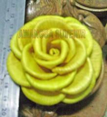 klobot bunga mawar besar daun terbalik