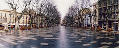 La Rambla - Figueres (almogaver) Tags: panorama film 35mm lomo xpro kodak crossprocess horizon catalunya figueres 100asa rambla kompakt kodakelitechrome100 kodakelitechrome almogaver horizonkompakt procéscreuat 120º davidroca