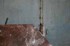 (LichtEinfall) Tags: composition köln container tor zahlen rechnen rheinauhafen erpe halle12 phototourwithbarbandarndalarm arndalalm ba019a raperre urbancubism