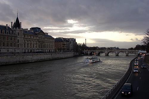 Navegando por el Río Sena
