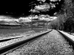 Camino de hierro b/n HDR (david A.F Photography) Tags: espaa clouds spain catalunya hdr catalua lightroom taradell osona espanya nuves photomatix anawesomeshot canonpowershotg9 davidg9photography jlanta estoescremacoc
