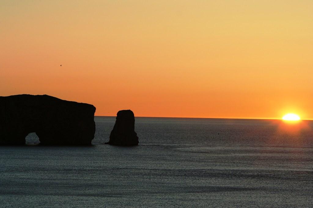 Le rocher percé au levé du soleil