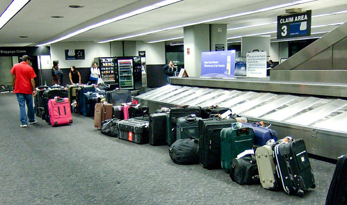 Preventing and minimizing air travel luggage woes - Travelers United