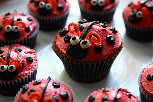 Mommy ladybug cupcake and her babies
