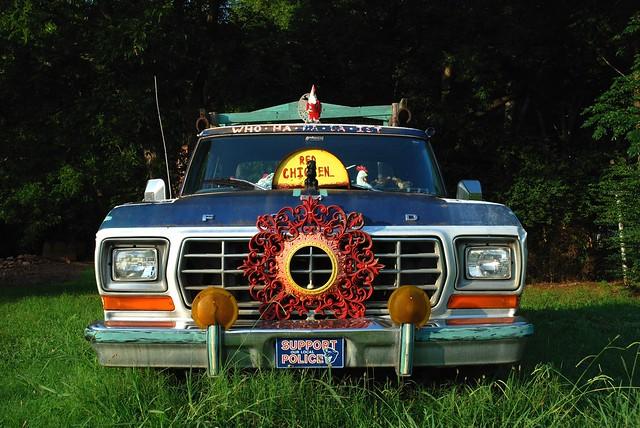 hilarious funny f150 farmington fordtruck truckart ruralgeorgia rangerxlt redchicken oconeegeorgia