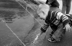 Big fun (mdanys) Tags: life baby water fountain smile wow child best osama lovely lithuania lietuva palanga danys mindaugasdanys mdanys
