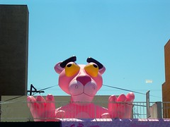 Pink Power (See El Photo) Tags: ca pink blue sky 15fav television fun big funny character cartoon clear melrose animated wacky pinkpanther bulidings fictional 1f televisionshow faved fictionalcharacter cartoonshow ontopofroof