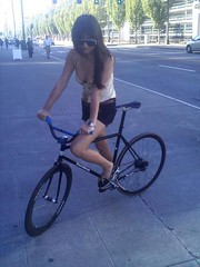 Alisa (zhoffner) Tags: seattle girls bicycle bikes fixedgear davidson trackbike zlog