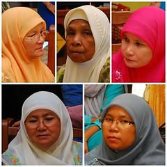 Aidilfitri 2008 - 10 (hanim_rafar) Tags: family people beautiful nikon comel families hijab raya hari malaysian aidilfitri malay d60 lawa cantik flowersofislam