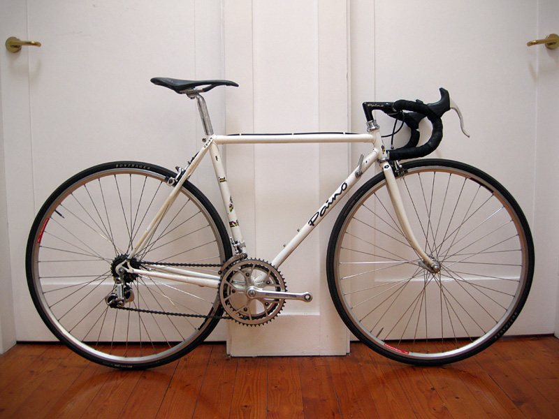 id been eyeing off this road bike on ebay for a week now it was on ebay for 900 a while ago the asking price was 600 starting bid
