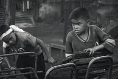 Oyayi sa Mundo (Leon B. Dista) Tags: labor photojournalism documentary bata trabaho musmos totoy pier18 hanapbuhay kahirapan luisliwanag ulingan photokalye