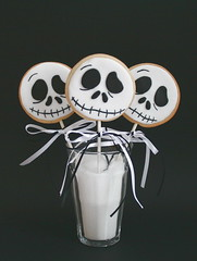Jack Skellington cookie lollies (cakejournal) Tags: white black halloween cookie trickortreat jackskellington thenightmarebeforechristmas sweettreat cookielollies