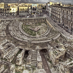 roman anphitheatre in lecce / salento / puglia / italy (Paolo Margari) Tags: old urban italy building history scale architecture stairs canon photography photo ancient italia foto photographer roman centre centro photographers center historic romano arena fotografia canoneos antico salento puglia architettura hdr lecce fotografo fotografi anfiteatro palazzi rovine centrostorico storia apulia anphitheatre ruderi chiese resti anfiteatroromano tonemapped italianphotographers leccesi paolomargari platinumheartaward fotografiitaliani romananphitheatre