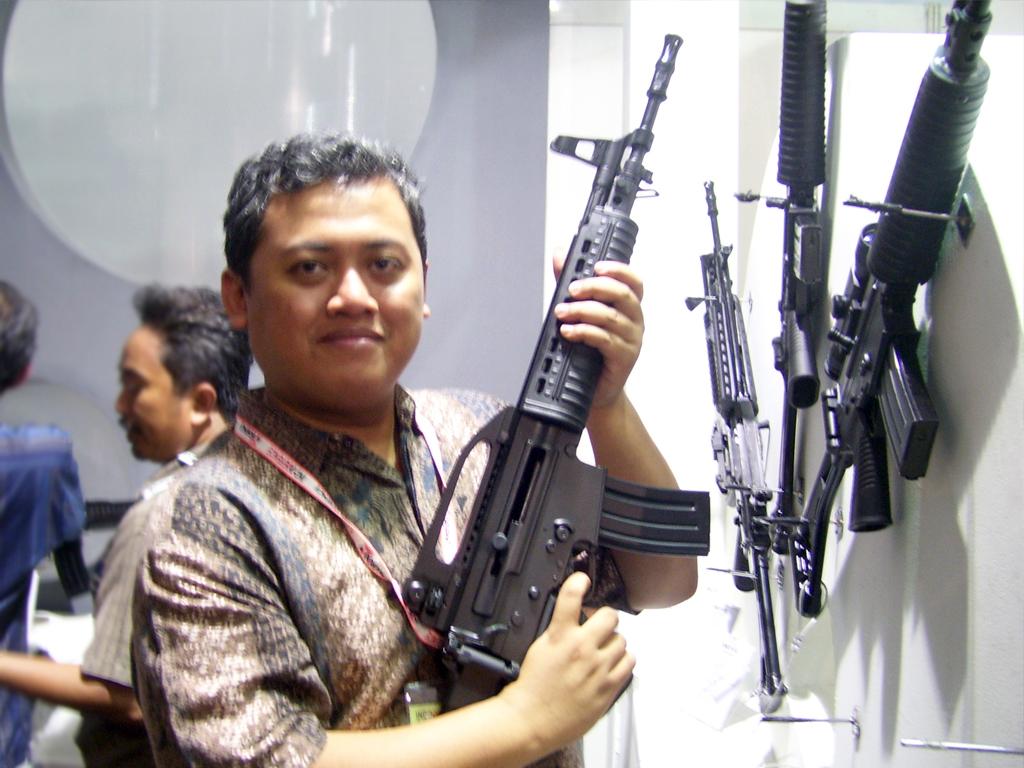 Look Ma, I Have A Gun!
