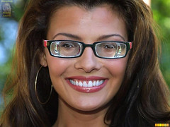 Ali Landry wearing strong glasses (GwG Fan) Tags: glasses myopic girlswithglasses alilandry thicklenses gwgs myodisc
