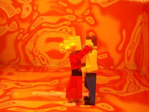 LEGO store diorama: Kissing