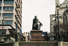 Robert Burns, Scottish Poet (anthonylibrarian) Tags: newzealand sculpture poet dunedin robertburns
