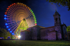 church and big wheel (jonstraveladventures) Tags: sky church night spain colours lawn fair santiagodecompostela bigwheel hdr dantest ns1 alamaybe