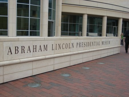 Lincoln Museum-Exterior2