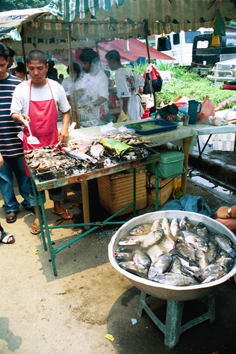 grilled fish street vendor Buhay Pinoy Philippines Filipino Pilipino  people pictures photos life Philippinen