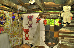 Haywood Bedroom (tantrum_dan) Tags: bear county house abandoned toys teddy florida aid kool alachua campville tantrumdan tantrumimagery