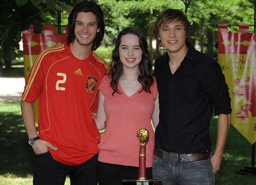 william moseley and ben barnes. Ben Barnes William Moseley and