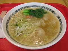 Mitsuwa Marketplace: Chibakiya - whole shark fin in salt ramen - from China Table Tokyo Hanten (close up)