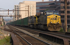 CSX (Luke Sharrett) Tags: railroad washingtondc trains csx lenfantplaza trashtrain