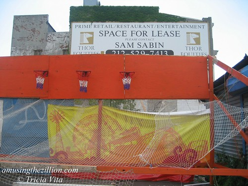 Thor Equities Space for Lease. Photo © Tricia Vita/me-myself-i via flickr
