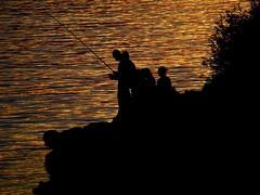 de pesca (B@Bé) Tags: sunset sea mar menorca blueribbonwinner supershot sacaleta ltytr1 goldenphotographer a3b betterthangood fishpicnik