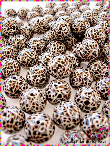 100 Leopard round beads