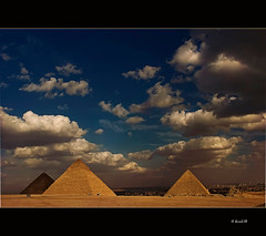 0115 Giza - Pyramids (QuimG) Tags: vacances perception egypt olympus chapeau pyramids egipto tp zuiko giza egipte ohhh pictureperfect pirmides bestofflickr gbr goldenglobe blueribbonwinner firstquality justonelook golddragon iwannabethere grouplife justclouds mywinners specialtouch platinumphoto visiongroup diamondclassphotographer ysplix theunforgettablepictures diamondstars quimg imagepoetryimageposie goldsealofquality betterthangood theperfectphotographer dragongoldaward anticando novaphoto spiritofphotography multimegashot thegoldproject photoshopcreativo thedavincitouch extraordinaryphotography obq vision100 justproject doubledragonawards lesamisdupetitprince reflectyourworld naturescreations saariysqualitypicturesgallery novavitanewlife flightsoffancyforever emotionsinphotos cloudslightningstorms absolutegoldenmasterpiece thedantecircle artistictreasurechest quimgranell joaquimgranell