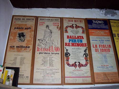 locandine di spettacoli teatrali