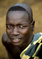 Bodi man Ethiopia (Eric Lafforgue) Tags: africa man eyes artistic african tribal ornament hana blackpeople bodypainting ethiopia tribe ethnic rite tribo homme adornment africain afrique pigments bodi tribu hairdress omo eastafrica thiopien etiopia ethiopie etiopa etnia meen ethnique lafforgue  etiopija ethnie ethiopi omoriver  ericlafforgue 3335 etiopien etipia  etiyopya  southethiopia nomadicpeople ericlafforguecom    abissnia      bienvenuedansmatribu peoplesoftheomovalley